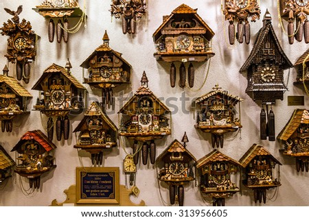 cuckoo clock stock images royalty free images vectors shutterstock. Black Bedroom Furniture Sets. Home Design Ideas