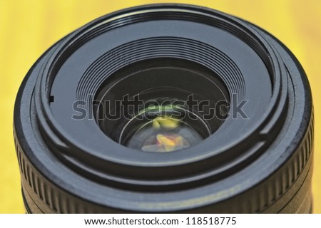Close up image of a prime DSLR lens