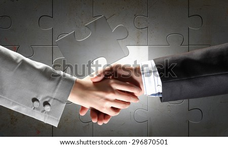 Close up of businessman hands making deal