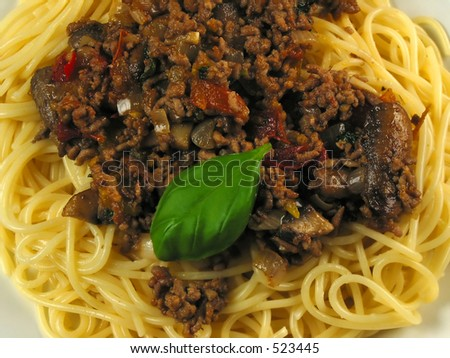 Close-up of pasta a la Kris (wich is pasta, tomatoes, meat, onions, basil, chili and a touch of garlic)... enjoy!