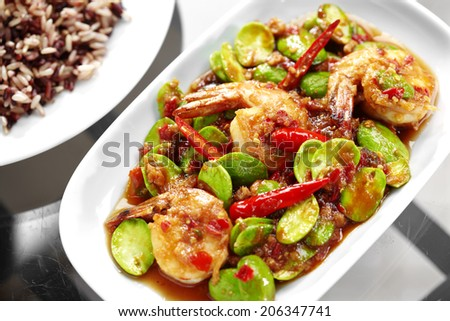 close up thai spicy shrimp and vegetable fried in thai food