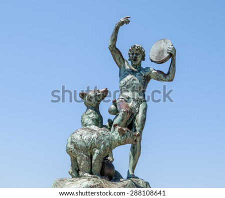 """Close view of the ancient sculpture """"Le Dresseur d'oursons"""" in Marseille in South France - stock photo"""