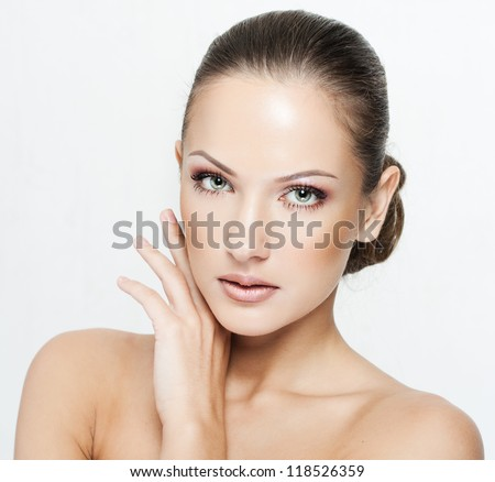 closeup portrait of a beautiful woman with beauty face and clean face skin , glamour makeup