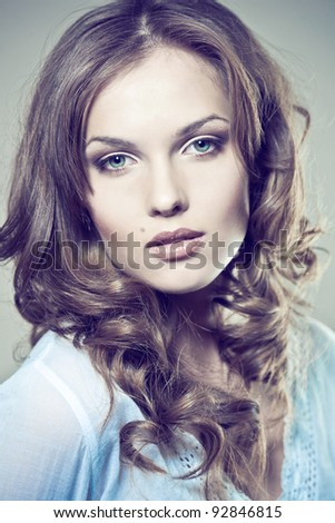 Closeup portrait of a sexy young woman with natural makeup and perfect skin