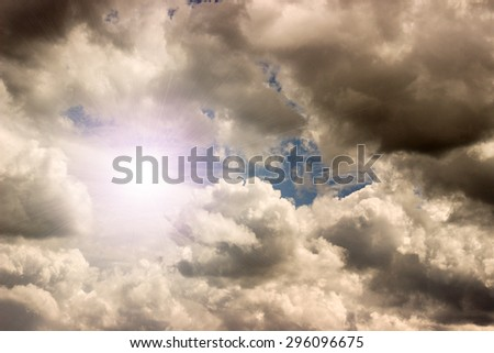 clouds in the sky and sun rays