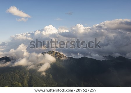 clouds that surround the mountain