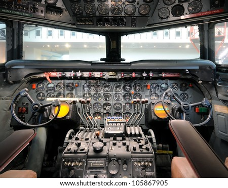 Cockpit view of classic 1950s airliner - stock photo