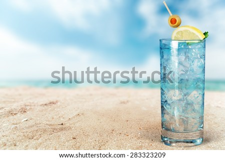 Cocktail, Gin, Tonic Water. - stock photo