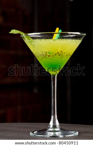 cocktail with kiwi