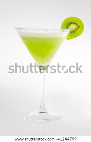 Cocktail with kiwi fruits