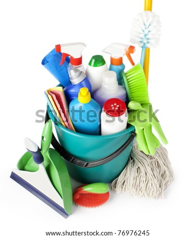 Collection from tools for cleaning in a bucket