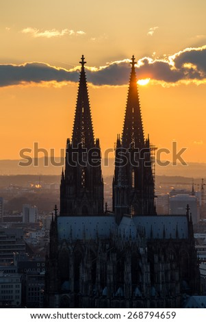 cologne cathedral sundown