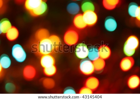 Color christmas lights on the tree