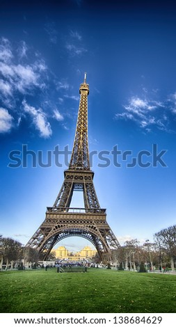 Colors of Eiffel Tower and Champs de Mars on a Winter Morning - La Tour Eiffel, France