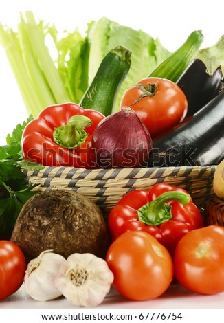 Composition with fresh vegetable and bowl