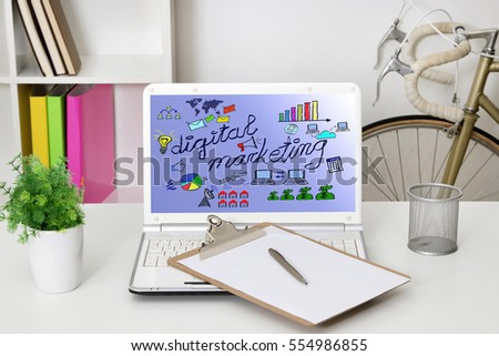 computer laptop with the website's marketing digital