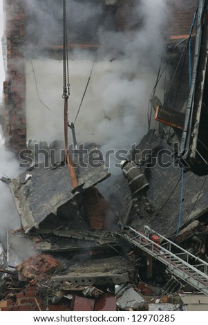 Consequences of gas explocion in an appartment house.