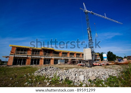 Construction of block of flats with a crane