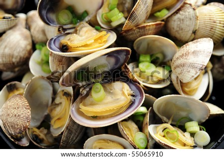 Cooked Clam with Green Onion