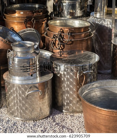 Copper cookware on market in Italy.