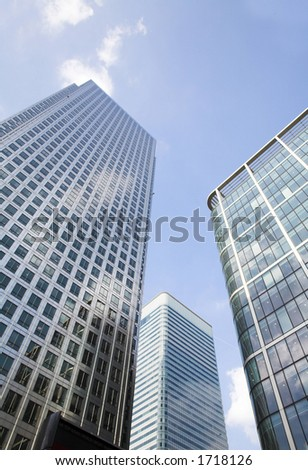 corporate buildings towards the sky in canary wharf