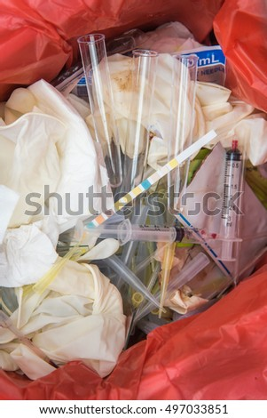 correct Infectious waste in hospital,Needle and syringes in sharps container,Infectious waste must be disposed of in the trash bag.