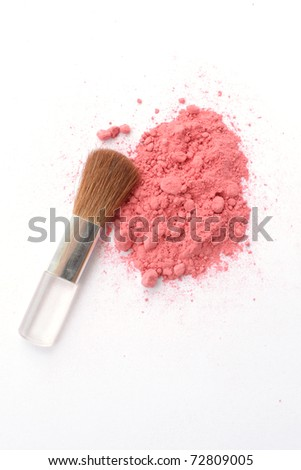 Cosmetic pink powder Crushed and brush