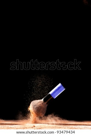 Cosmetic powder brush