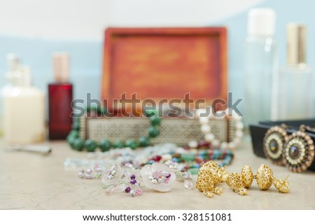 Costume jewelry. Earrings, necklaces, bracelets.