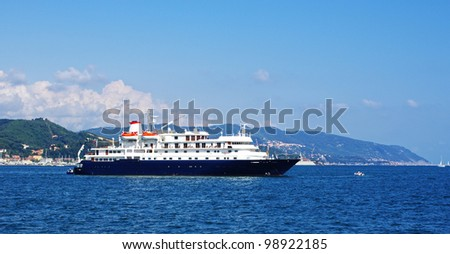 cruise ship in the gulf of la spezia