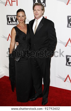 CULVER CITY - JUN 9: Cary Elwes, wife Lisa Marie Kurbikoff at the 39th AFI Life Achievement Award Honoring Morgan Freeman held at Sony Pictures Studios  in Culver City, California on June 9, 2011.