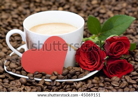 cup of coffee, red roses and heart