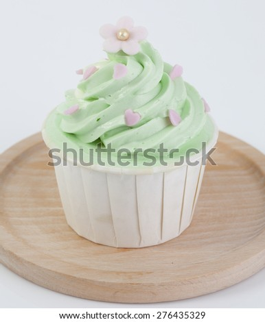 Cupcake decorated with flowers