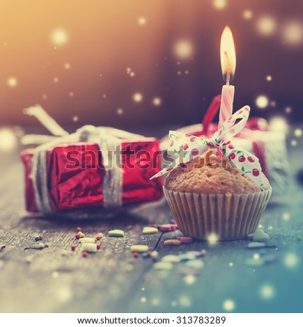 cupcake present gifts happy birthday card stock photo 317683823 shutterstock. Black Bedroom Furniture Sets. Home Design Ideas