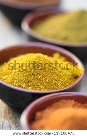 Curry powder in bowls