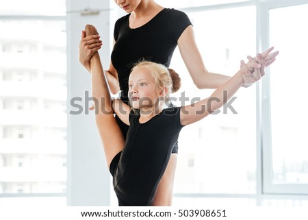 Ballet instructor helps her student with extra credit 5