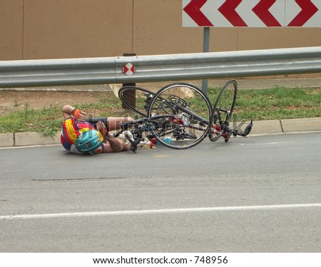 Cyclist crash at the second largest times street race in the world
