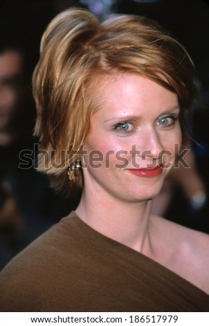 Cynthia Nixon at the Sex & the City premiere, NYC, 5/30/01