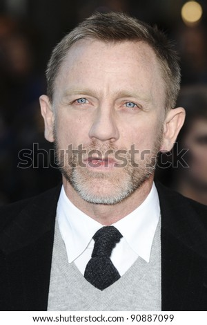 "Daniel Craig arrives for the ""Tintin"" premiere at the Odeon West End, London. 23/10/2011 Picture by: Steve Vas / Featureflash - stock photo"