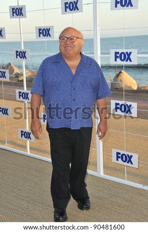 Danny DeVito at the Fox TV Summer 2011 All-Star Party at Gladstones Restaurant, Malibu. August 5, 2011  Malibu, CA Picture: Paul Smith / Featureflash - stock photo