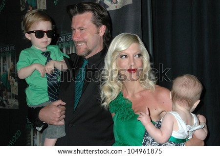 Dean McDermott with Tori Spelling and family  at the party celebrating the release of the book 'Mommywood'. Bond St Beverly Hills, Beverly Hills, CA. 04-13-09 - stock photo