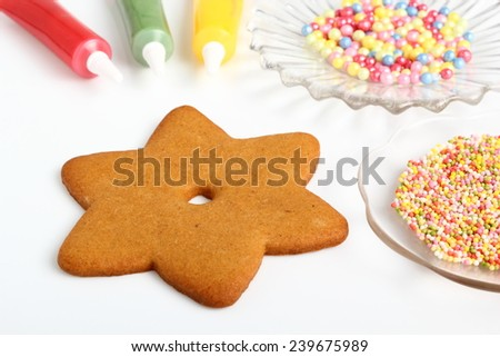 Decorating Christmas gingerbread cookies