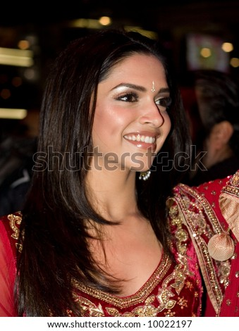 Deepika Padukoneat the Bollywood Film premiere of Om Shanti Om in London