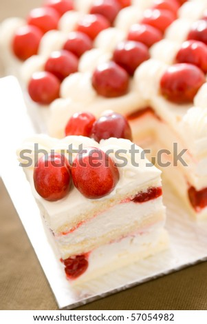 Delicious cake! Fresh and healthy! Ingredients: jam, lemon, butter, berries, cheese, coffee