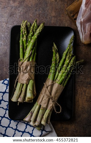 Delicious fresh asparagus with bacon, bio quality