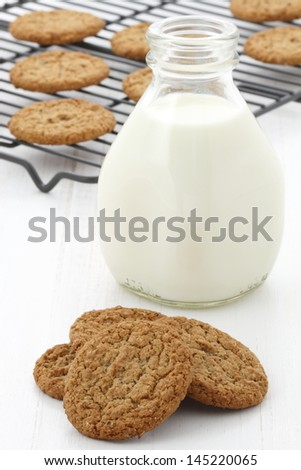 Delicious milk and oatmeal cookies, flavorful dessert that everyone will enjoy and love.