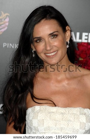 Demi Moore at VALENTINE'S DAY Premiere, Grauman's Chinese Theatre, New York, NY February 8, 2010 - stock photo