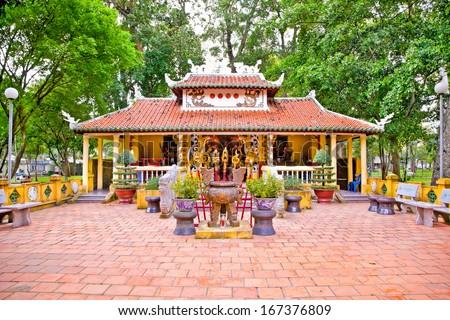 Den Tuong Niem Cac Vua Hung Temple in Tao Dan Park, Ho Chi Minh or Saigon, Vietnam. - stock photo