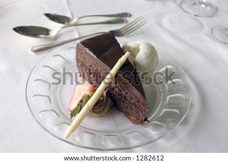 Desert plate with a fancy chocolate cake