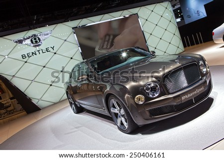 DETROIT - JANUARY 12: A Bentley Mulsanne on display January 12th, 2015 at the 2015 North American International Auto Show in Detroit, Michigan. - stock photo